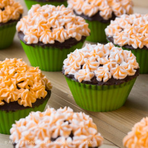 Hydrangea Flower Caramel Cupcakes