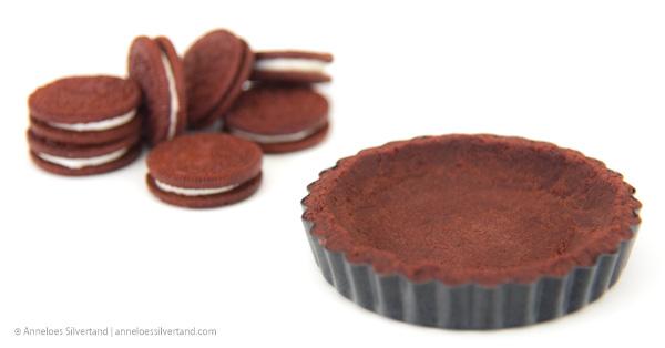 Red Velvet Oreo Pie Crust